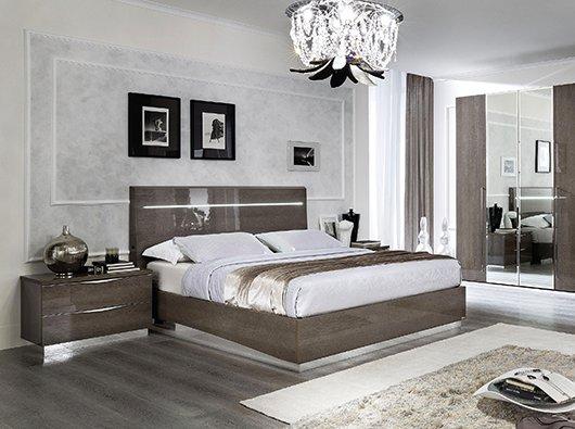 King Beds & Casegoods