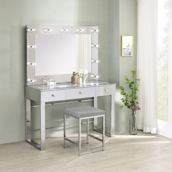 Clear tempered glass top vanity table