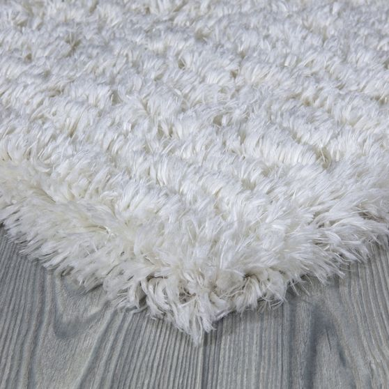 Silky Shag 5'2 x 7'2 Modern & Contemporary Solid White area rug