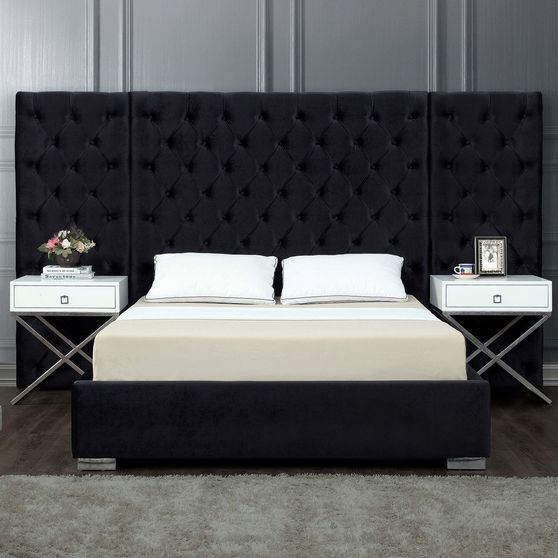 Contemporary black bed w/ side panels in tufted style