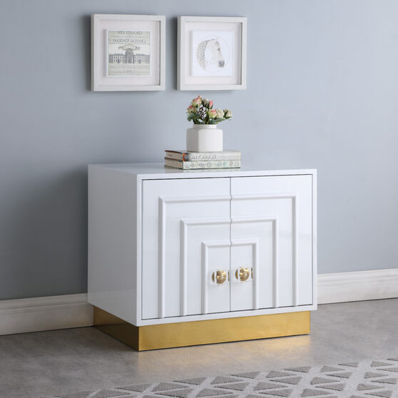 Lacquer contemporary style night stand