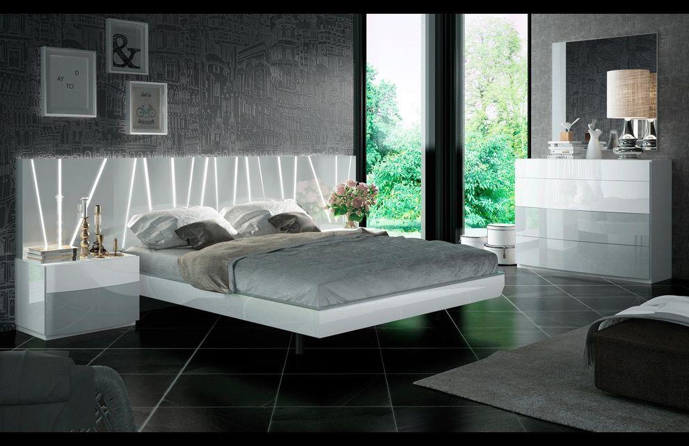 Ronda w/ Salvador white bed stock photo