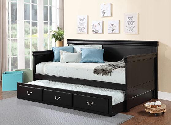 Black daybed