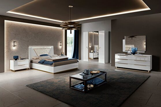 Italian contemporary white glossy queen size bed