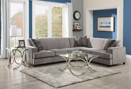 Gray spacious sectional sofa w/ pull-out sleeper