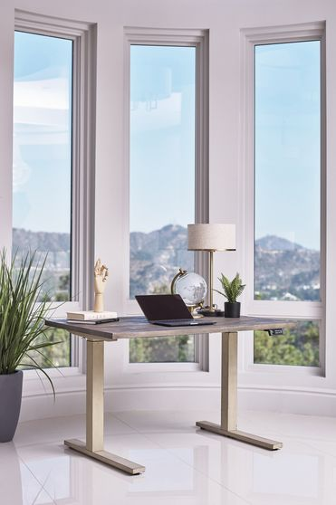 Standing desk in weathered pine / anitue ivory
