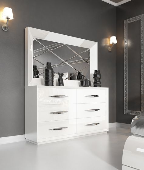 White high-gloss lacquer dresser