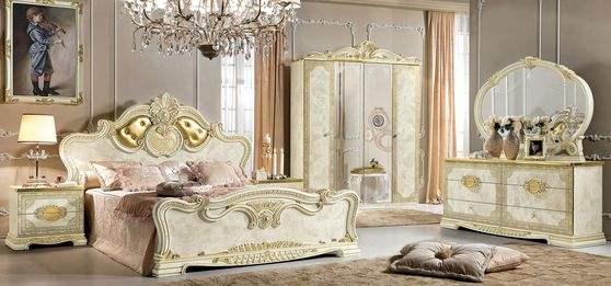 Classical style italian bedroom in ivory wood