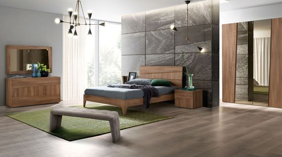 Two-toned modern wood finish queen bed