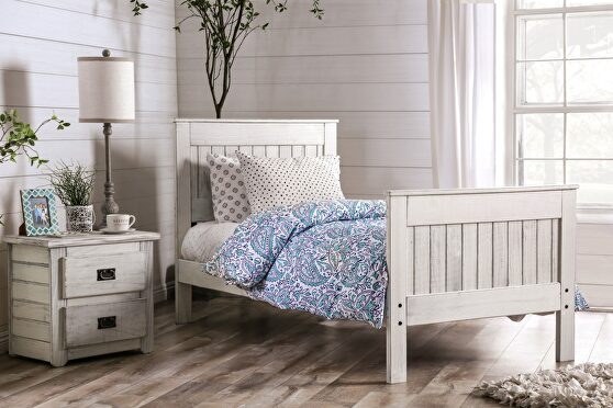 Weathered white american pine wood construction full bed