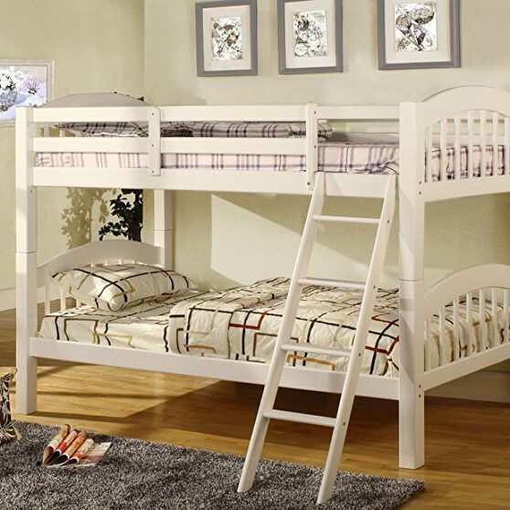 Picket fence design twin/twin bunk bed in white finish