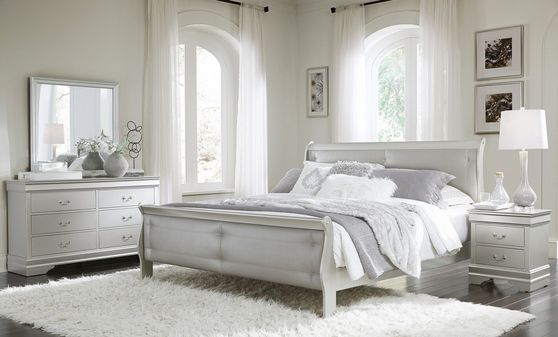 Simple casual style king size bed in silver finish