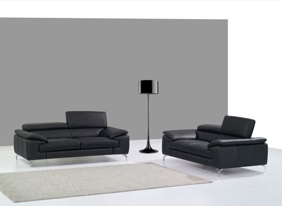 Black italian leather sofa/loveseat set