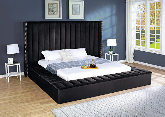 Storage velvet bed w/ solid platform