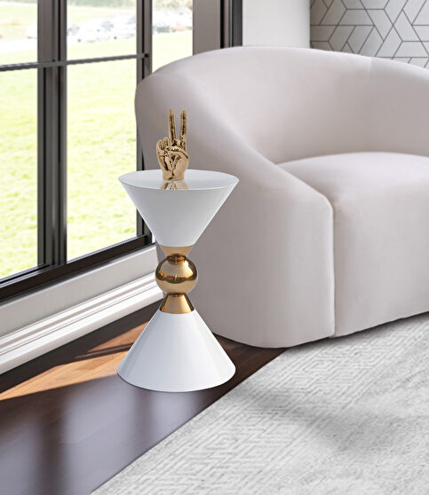 Round ultra-contemporary stylish white end table