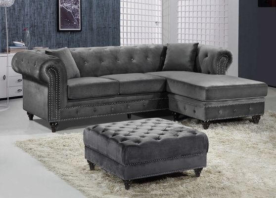Reversible sectional sofa&ottoman in gray