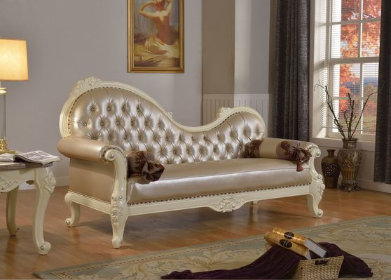 Rich pearl white finish royal style chaise