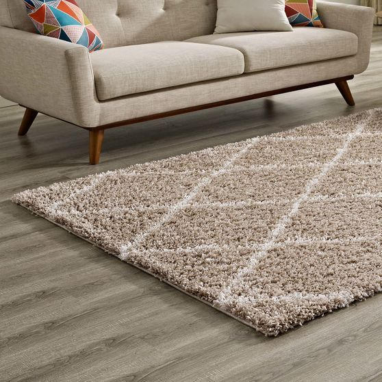Contemporary rug 5x8 in diamond shape