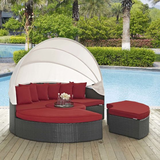 Daybed / table / ottoman set in rattan