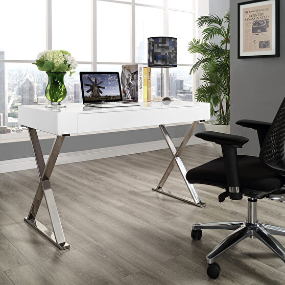 White top / chrome base & legs contemporary office desk