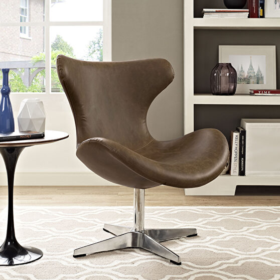 Lounge chair in brown