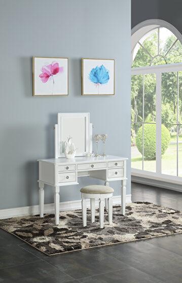 White vanity w/ stool set