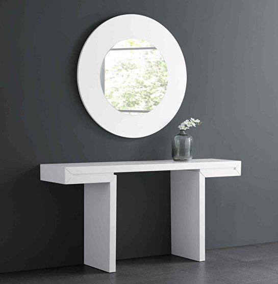 Delaney console in high white gloss lacquer