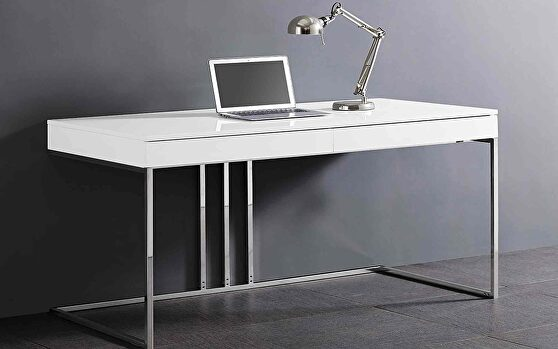Sabine desk in high gloss white lacquer