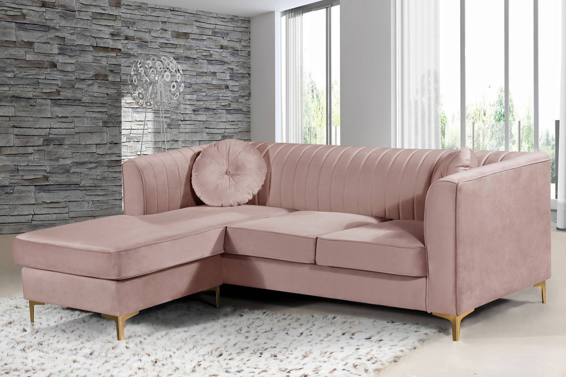 Picture of: Eliana Pink Sectional Sofa 660 Woodbridge Meridian Furniture Sectional Sofas Comfyco Furniture