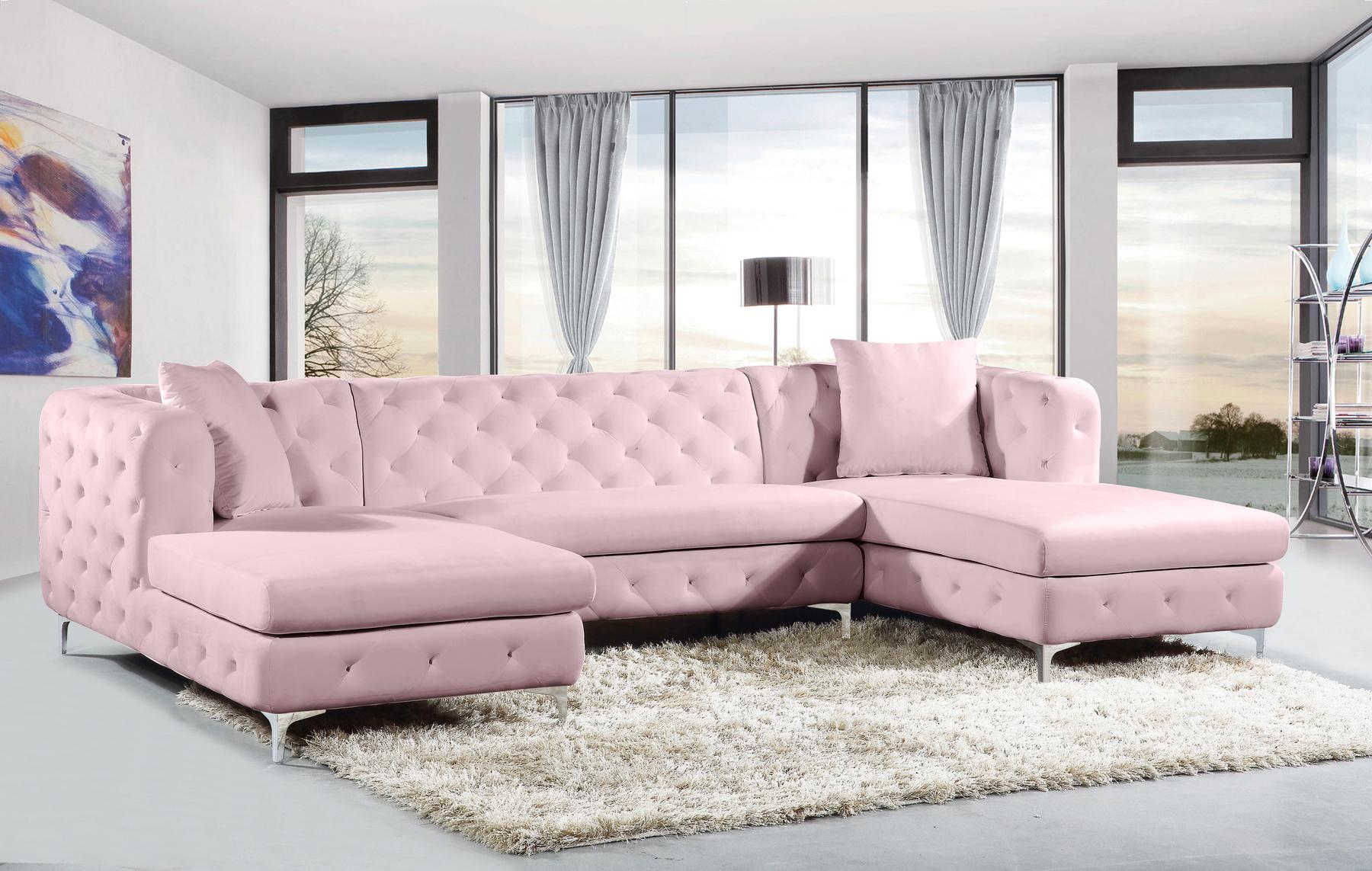 Picture of: Gail Pink Sectional Sofa 664 Miranda Meridian Furniture Sectional Sofas Comfyco Furniture